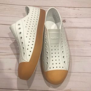 Native Jefferson White Gum Sole Unisex Shoe